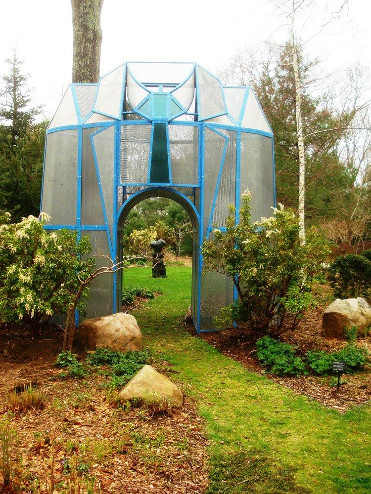 Entrance+to+a+Garden
